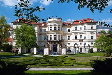 Lobkowitz-palota