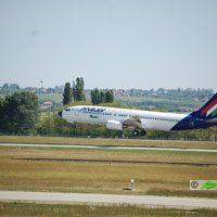 Malév, Párizs - Budapet repülőjárat ( repülőgép típus: Boeing 737-8Q8, felségjel: HA-LOH)