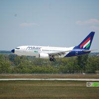 Malév, Prága - Budapest repülőjárat ( repülőgép típus: Boeing 737-7Q8, felségjel: HA-LOP)