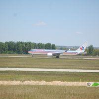 American Airlines, Budapes - New York repülőjárat ( repülőgép típus: Boeing 767-323, felségjel: N370AA)